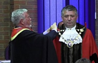 Bulaşıkçılıktan, belediye başkanı oldu