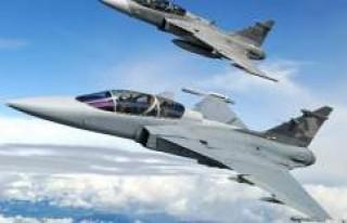 Bulgaristan İsveç'ten 8 Savaş Uçağı Almaya...