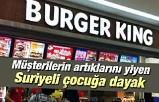 Burger King'de müşterilerin artıklarını yiyen...