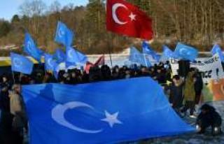 Çin'in Doğu Türkistanlılara zulmü İsveç'te...