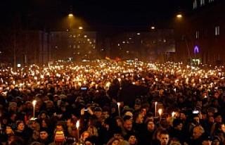 Danimarka'da onbinler teröre karşı sokağa çıktı...VİDEO