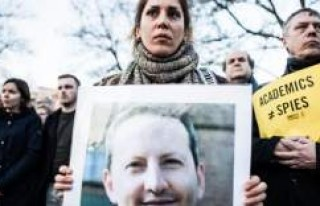 İran'da akademisyene idam cezası