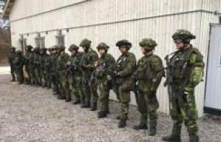 İsveç askeri yetkililerinden savunma bütçesini...