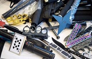 İsveç'e kaçak sokulan silahlar da büyük...