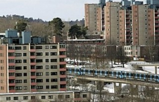 İsveç'e yeni gelen göçmenler ev sırası...