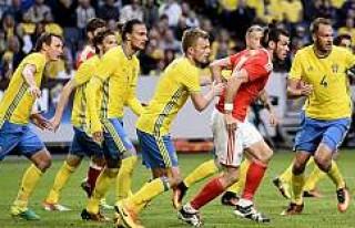 İsveç  Galler'e acımadı!