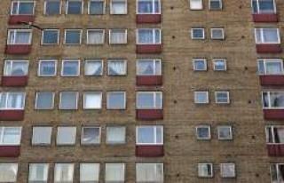 İsveç'in kenar mahallesindeki evlerin yıkılmasını...