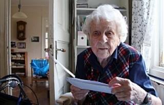 İsveç'te 104 Yaşındaki Kadına Anaokulu İçin...