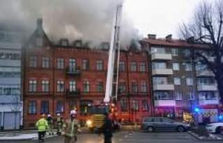 İsveç'te büyük yangın paniğe neden oldu