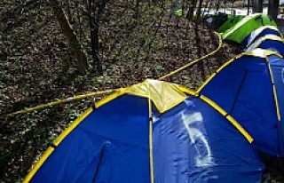 İsveç'te ev sorununa çadırlı protesto!