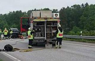 İsveç'te kaza üç yaralı