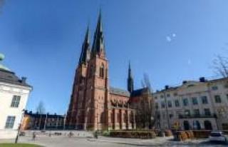 İsveç'te kiliselerin çanları Halep'teki...