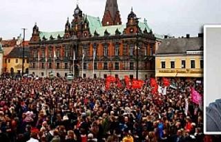 İsveç'te mültecilere destek gösterisi