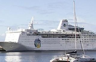 İsveç'te Sığınmacılar Seyahat Gemisinde...