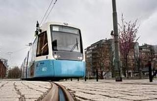 İsveç'te Tramvayın altında kalan kişi öldü
