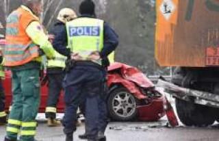 İsveç'te uyarıları dikkate almayan sürücüler...