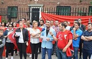 İsveç'te yaşayan Türk vatandaşları darbe...