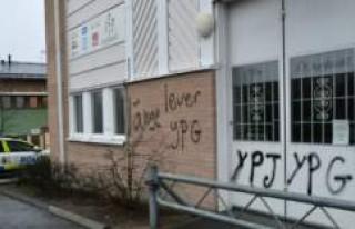 İsveç UETD binasına  saldırı