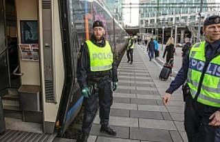 İsveç ve Danimarka sınır kontrollerine devam edecek