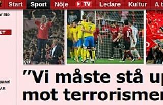 İsveçli futbolcular Antalya'da seyirci karşısında...