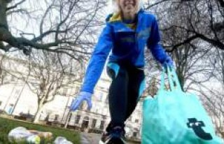 İsveçlilerin yeni sporu 'Plogging' çevreyi...