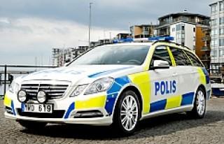 İsveç'te polis arabalarına 200 bin kronluk camlar!