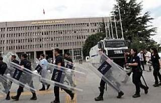 Kalkışma Sonrası Demokrasi Mücadelesinde OHAL'in...