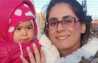 Kız çocuğu elinden alınan annenin feryadı