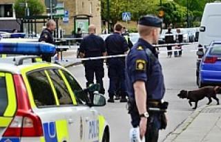 Malmö'de kalabalık meydanda silahlı saldırı