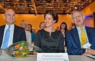 Moderat Parti'nin başına ilk kadın başkan seçildi...