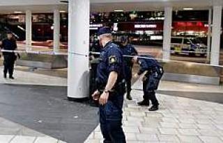 Segel Torg Meydanında polis bir kişiyi vurdu
