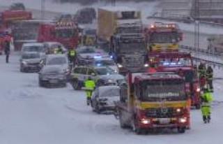 Stockholm'de kar kaosa neden oldu