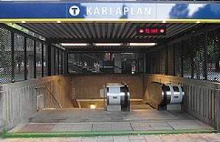 Stockholm'de metroya tüfekle binen adam panik...