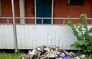 Tensta'da kundaklanan evde cinayete teşebbüs...