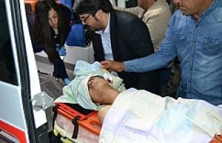 Tuzyaka Yolunda Kaza 1'i ağır 2 Yaralı