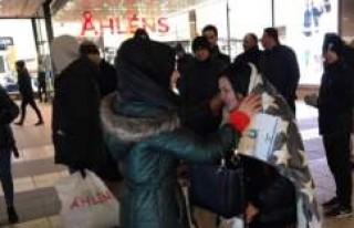 UETD'den İsveç'te sokakta yatanlara yardım