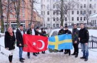 UETD İsveç Olof Palme'nin mezarına çiçek...