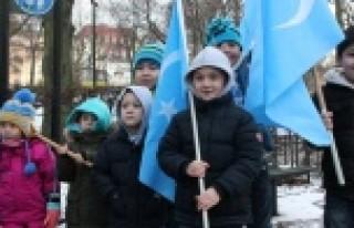 Uygur Türkleri, Stockholm'de Tayland'ı protesto...