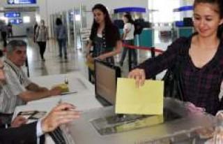 Yurt dışındaki seçmenlere 12 Mayıs uyarısı