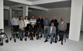 İsveç'ten Kulu'daki yüzlerce  engelliye akülü ve aküsüz araç...