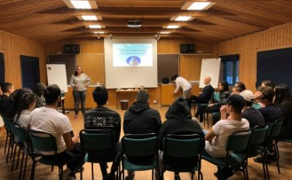 İsveç'te Türk gençleri yeni yıla azimle başladı