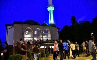 İsveç'te Kadir Gecesi binlerce Müslümanın katılımıyla kutlandı