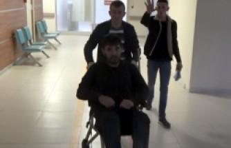 5 Yunan polisi sığınmacıyı 2 saat boyunca dövdü