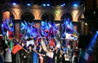 İsveç'te Türk öğrencilerin başarısı