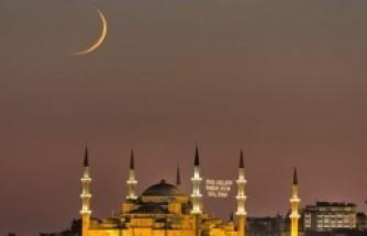 Bin aydan değerli gece: Kadir Gecesi