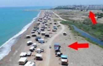 Türkiye'nin en sıra dışı sahili! Bir tarafta 5 yıldızlı oteller diğer tarafta...