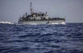 Tekne battı: 100 civarında göçmen kayıp!