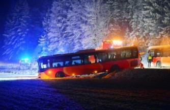 İsveç'te tekli, kar yağışı