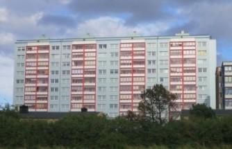 İsveç'te balkondan düşen kadın öldü