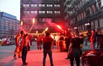 İsveç'te Galatasaraylı Taraftarlar Şampiyonluğu Kutladı